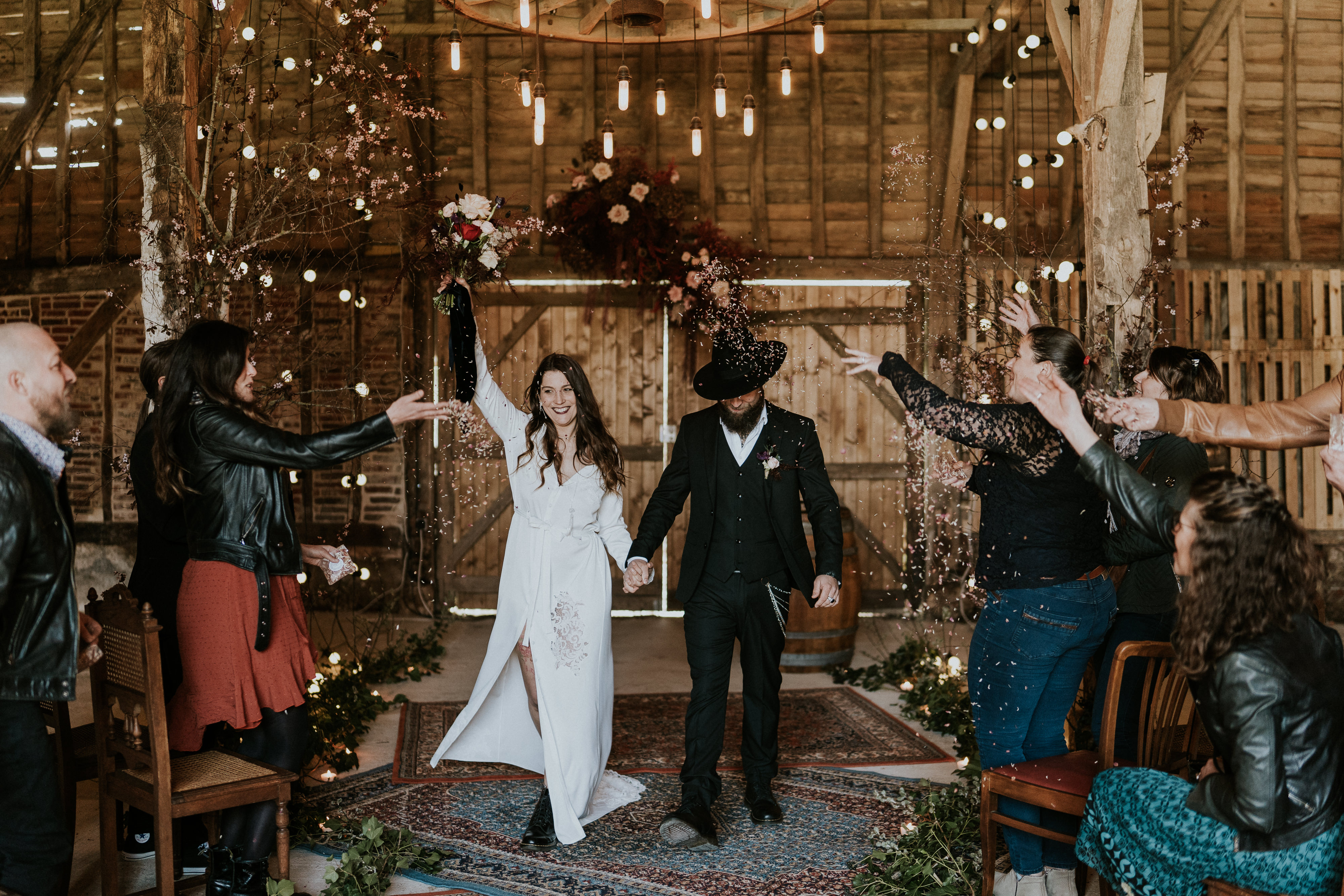 photographe-mariage-folk-grange-rustique-france
